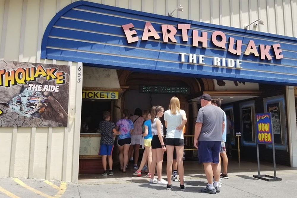Earthquake The Ride (Slider Image 5) | Gatlinburg Attractions