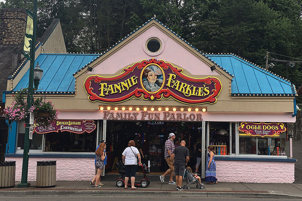 Fannie Farkle's (Slider Image 7) | Gatlinburg Attractions
