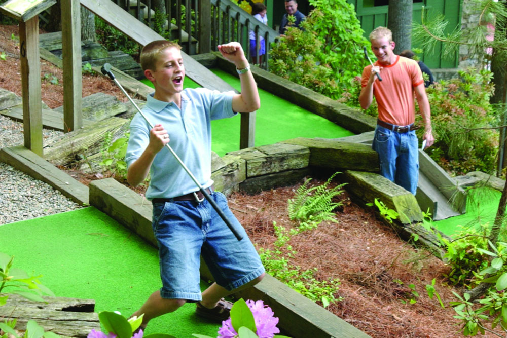 Gatlin's Mini Golf (Slider Image 3) | Gatlinburg Attractions
