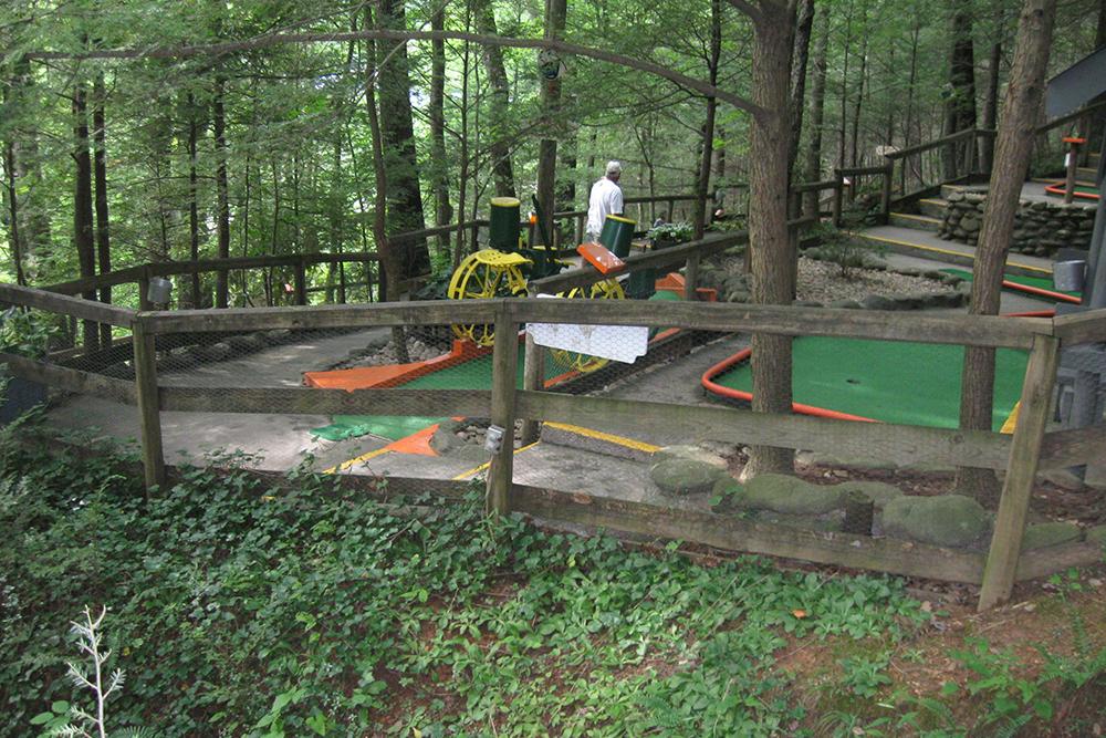 Hillbilly Golf (Slider Image 10)   Gatlinburg Attractions