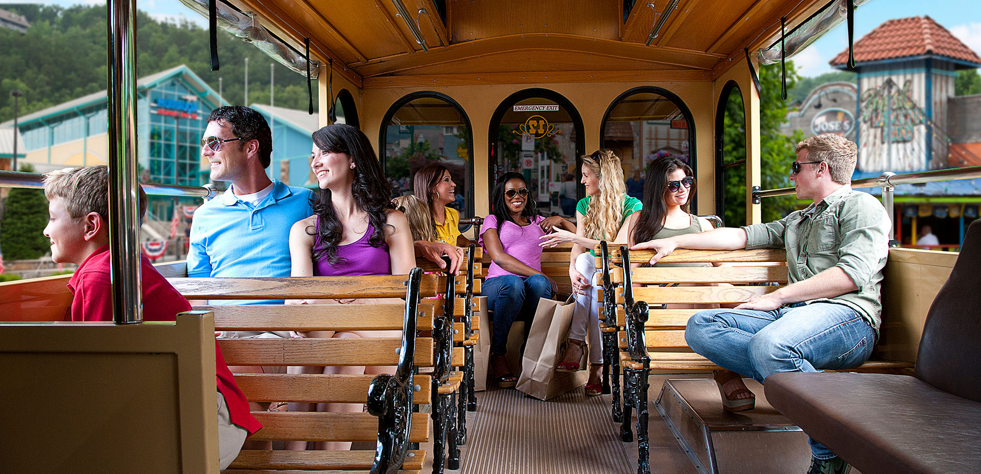 Gatlinburg Trolley | Gatlinburg Attractions | Things To Do In Gatlinburg, TN