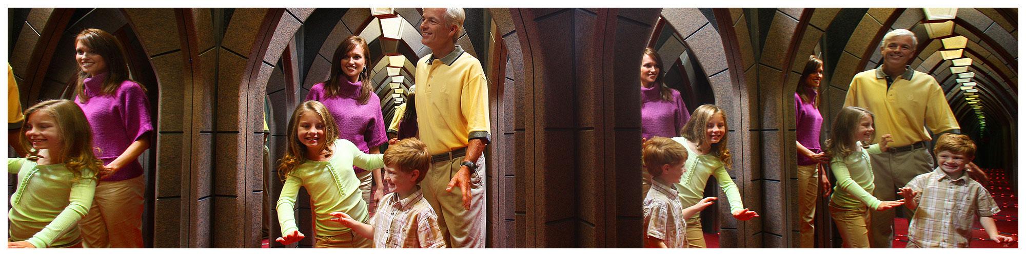 Ripley's Marvelous Mirror Maze (Header Background) | Gatlinburg Attractions