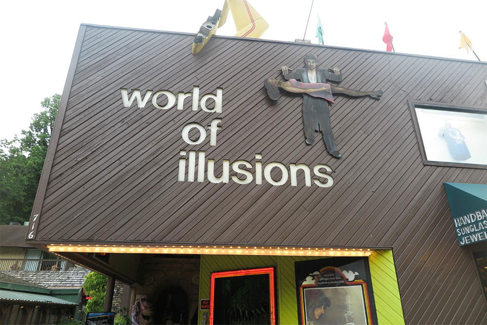 World of Illusions (Slider Image 4) | Gatlinburg Attractions